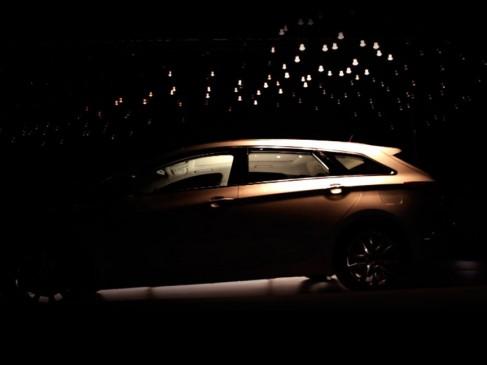 Hyundai_CarUnderLights2